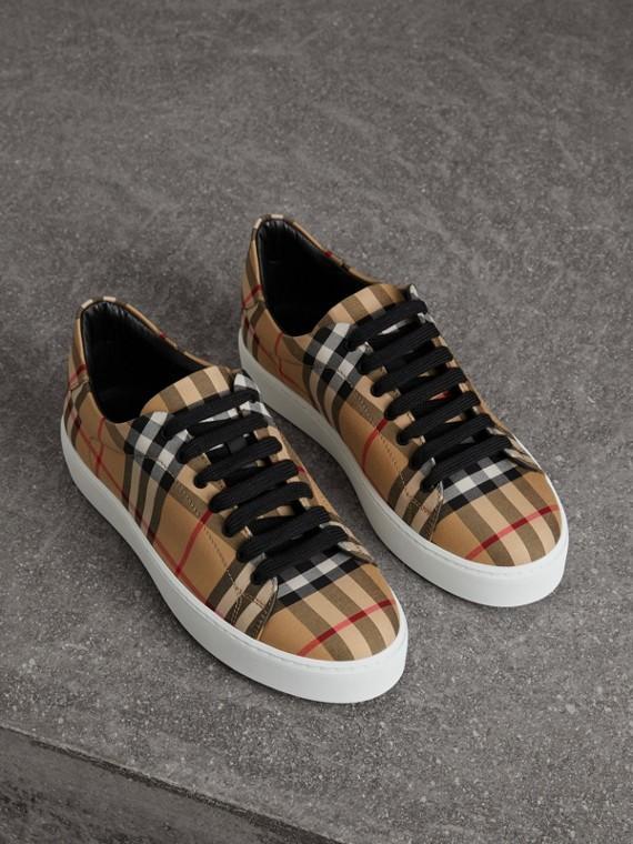 Sneaker con motivo Vintage check e fodera in pelle (Giallo Antico)