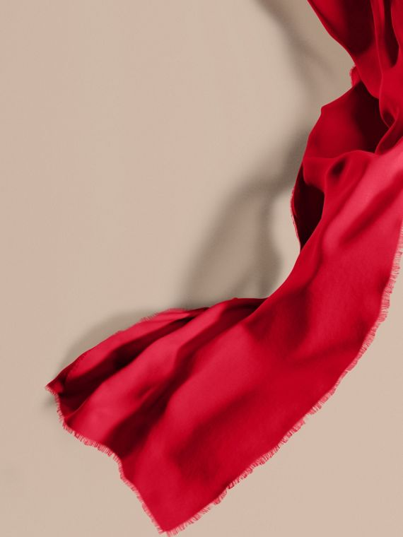 The Lightweight Cashmere Scarf Parade Red