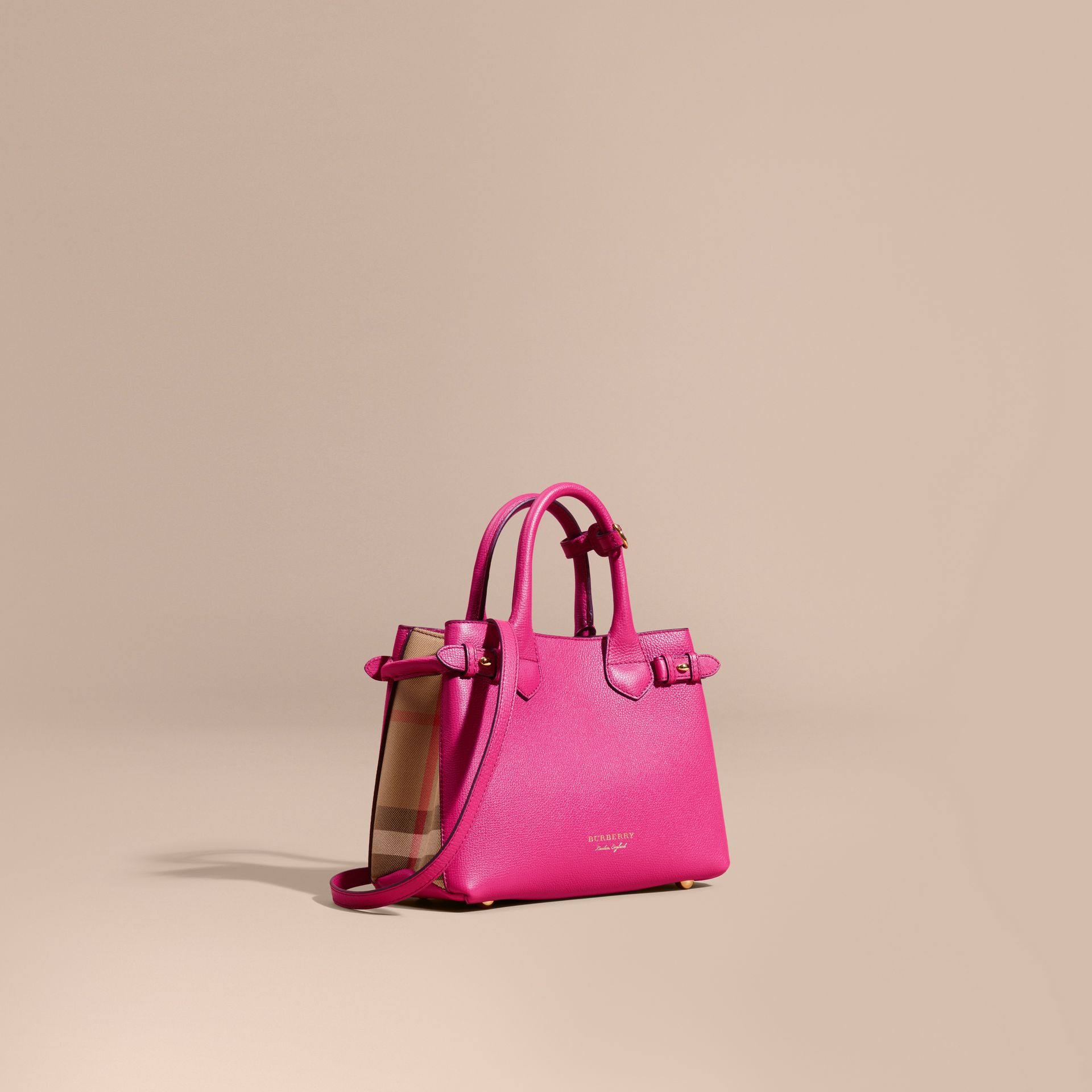 Petit sac The Banner en cuir et coton House check Fuchsia Brillant - photo de la galerie 1