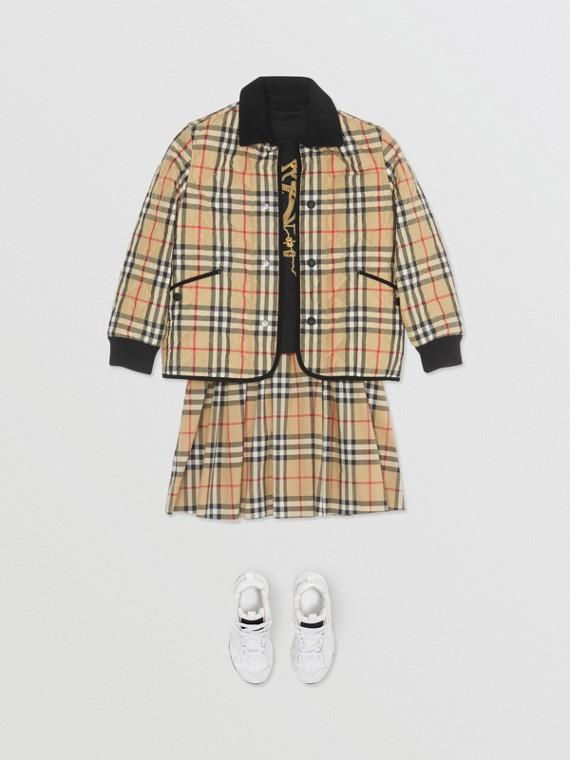 Jaqueta em matelassê com estampa Vintage Check e detalhes em veludo cotelê (Bege)