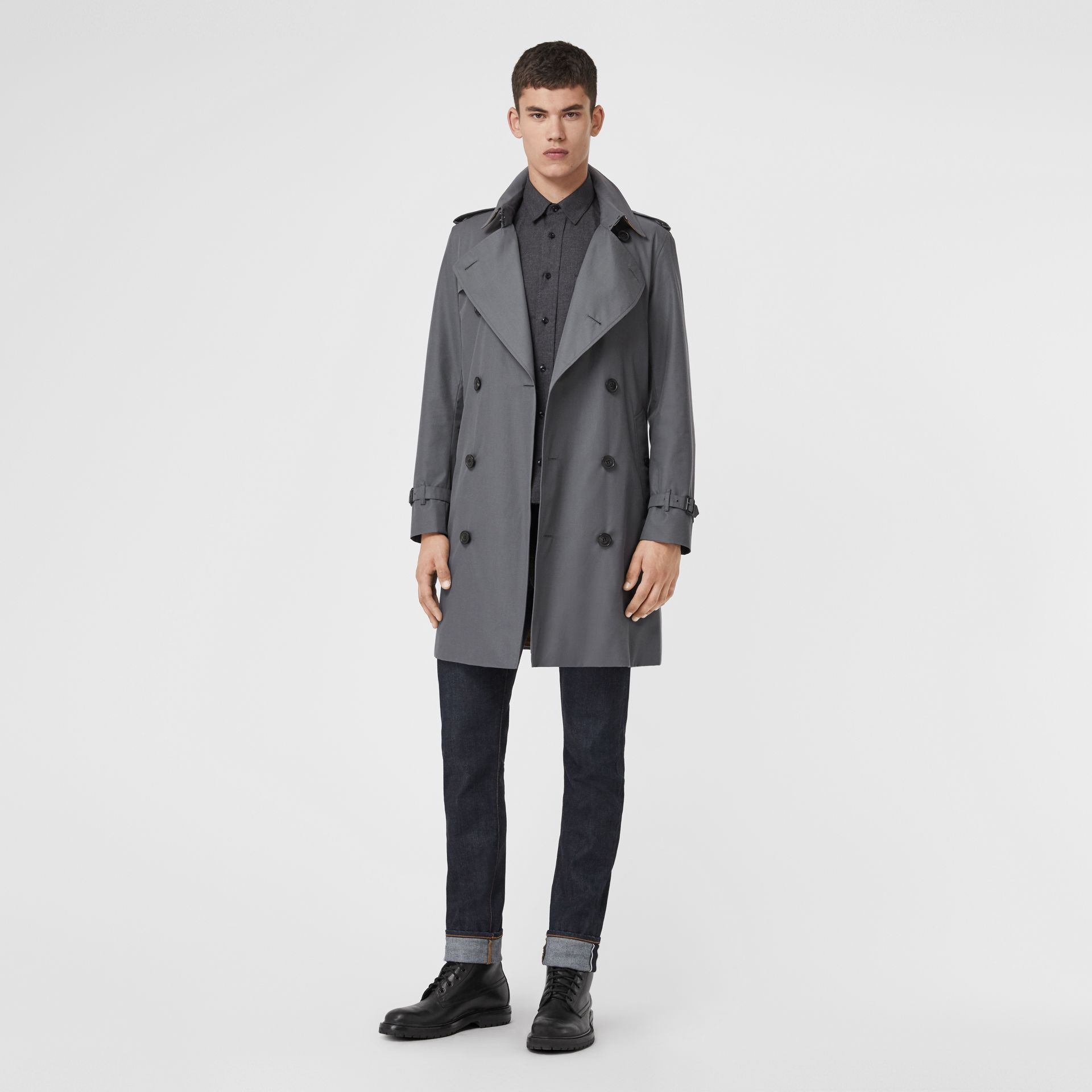 The Chelsea Heritage Trench Coat in Mid Grey - Men | Burberry Canada - gallery image 6