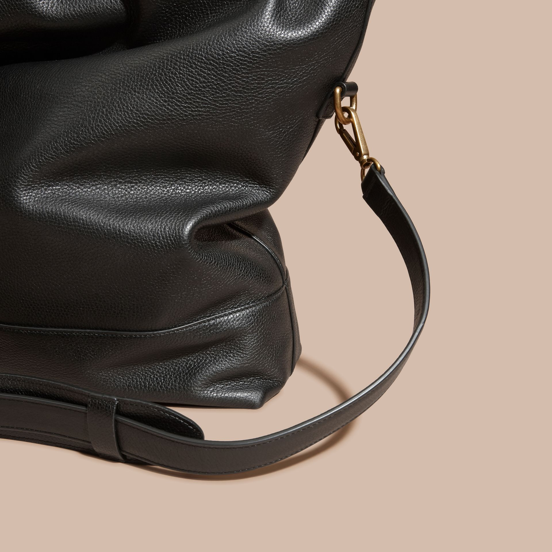 Black Grainy Leather Folding Messenger Bag - gallery image 7