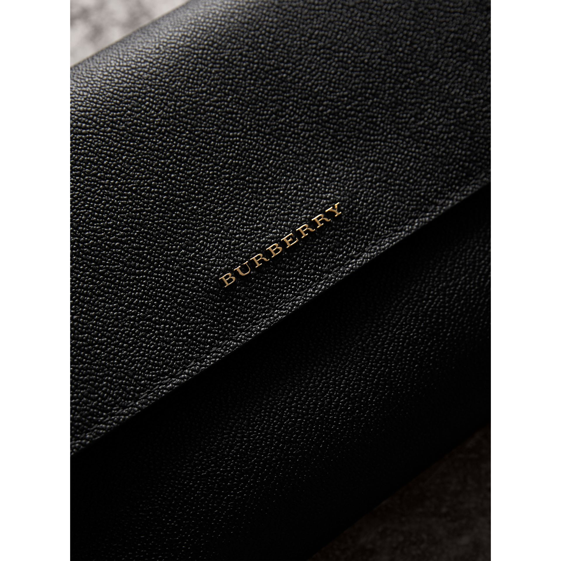 Grainy Leather Crossbody Bag in Black - Women | Burberry United Kingdom - gallery image 2