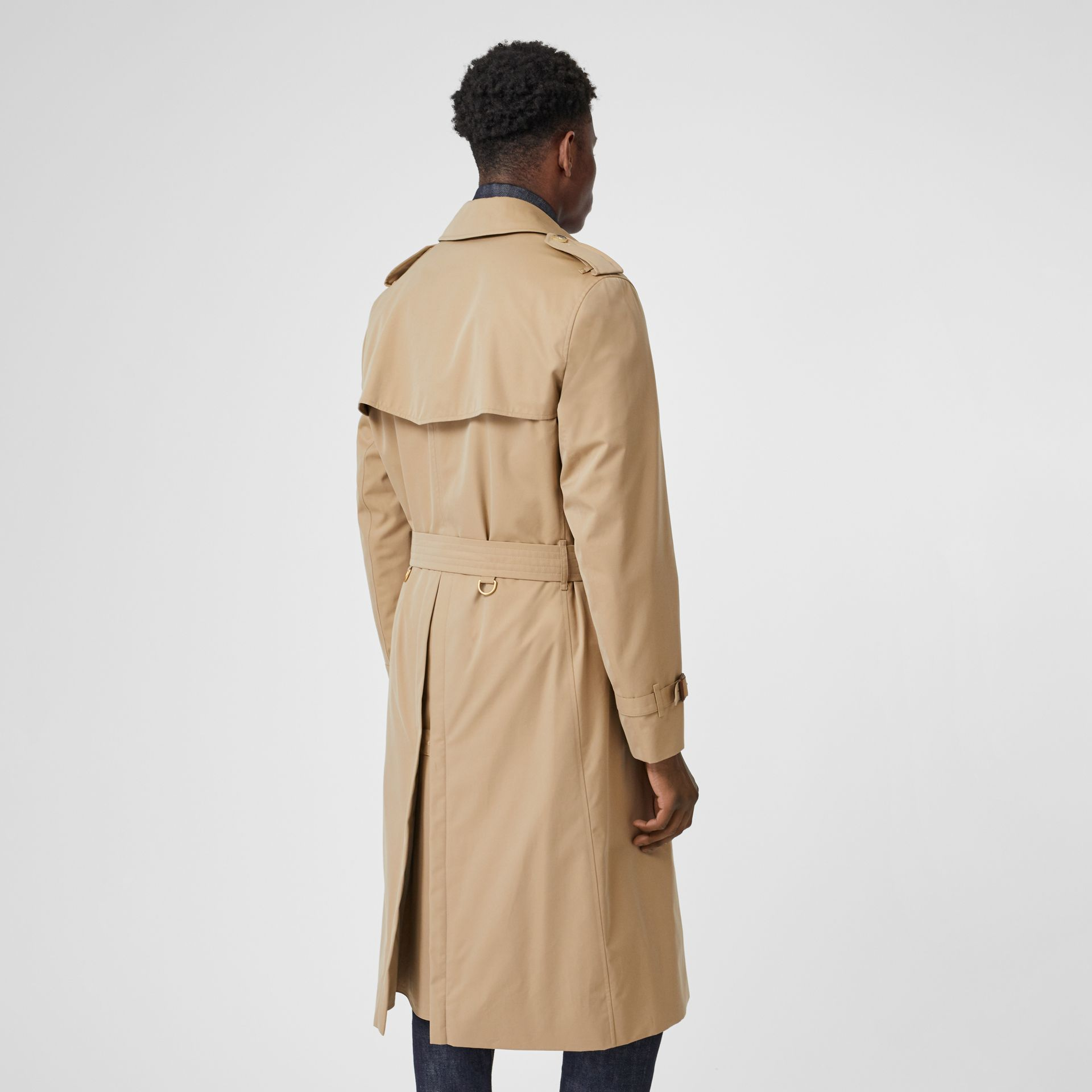 The Long Chelsea Heritage Trench Coat in Honey - Men | Burberry United States - gallery image 2