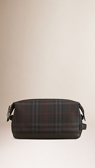 Horseferry Check and Leather Washbag