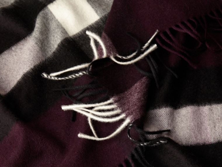 Check Cashmere and Wool Poncho Aubergine - cell image 4