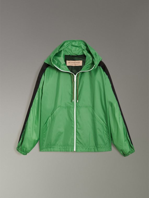 Stripe Detail Showerproof Hooded Jacket in Bright Pigment Green - Women | Burberry Canada - cell image 3