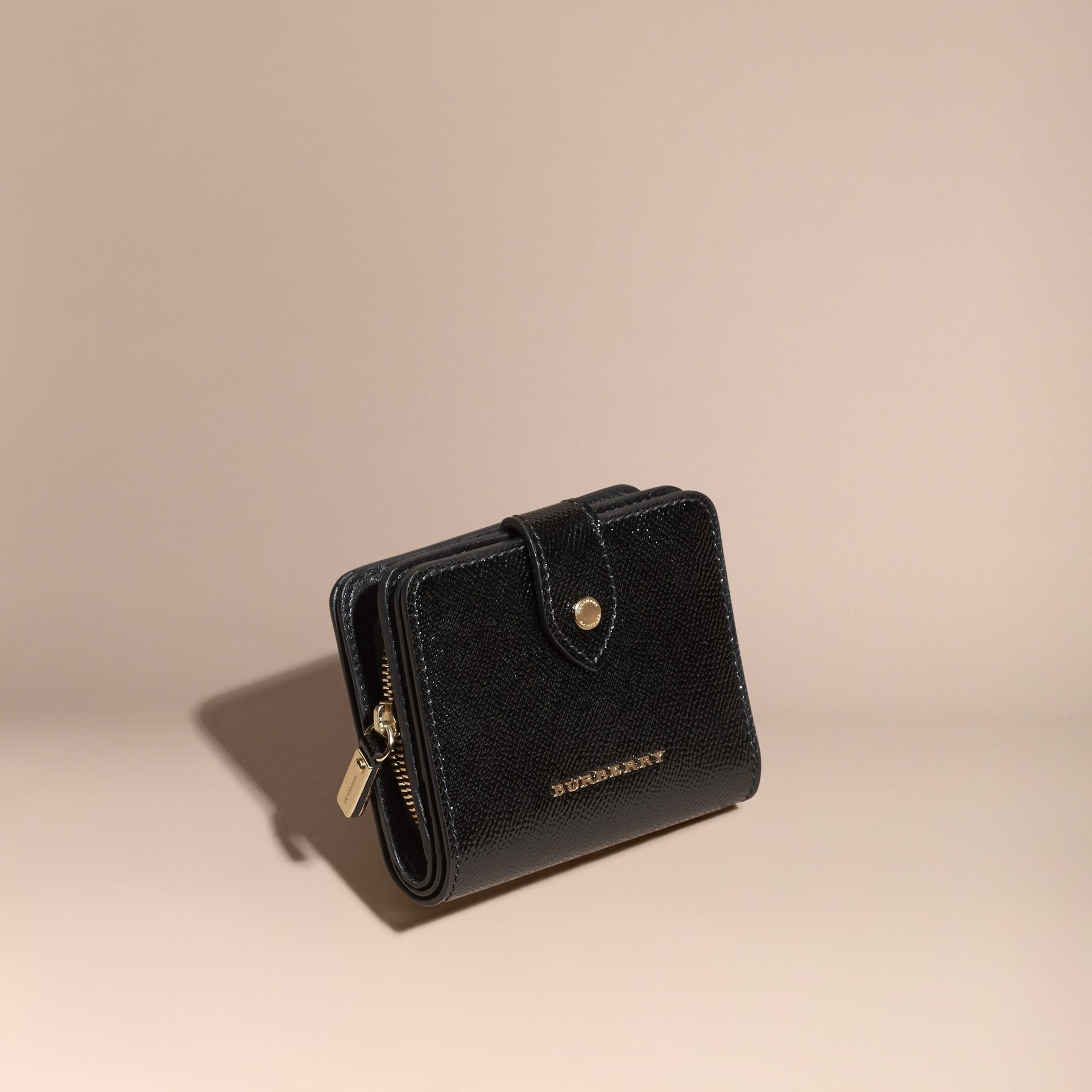 Nero Portafoglio in pelle London verniciata Nero - immagine della galleria 1