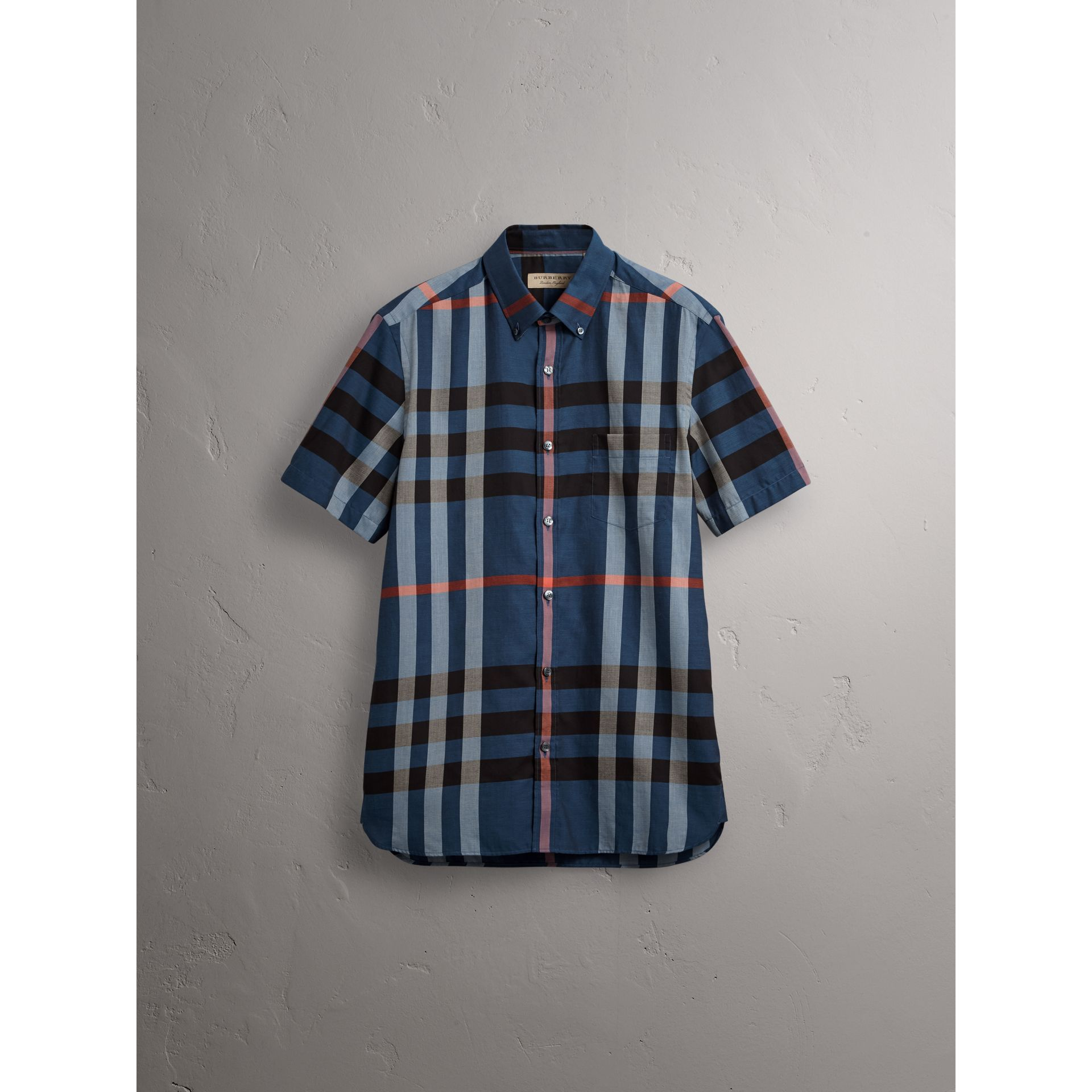 Button-down Collar Short-sleeve Check Cotton Shirt in Ink Blue - Men | Burberry - gallery image 4