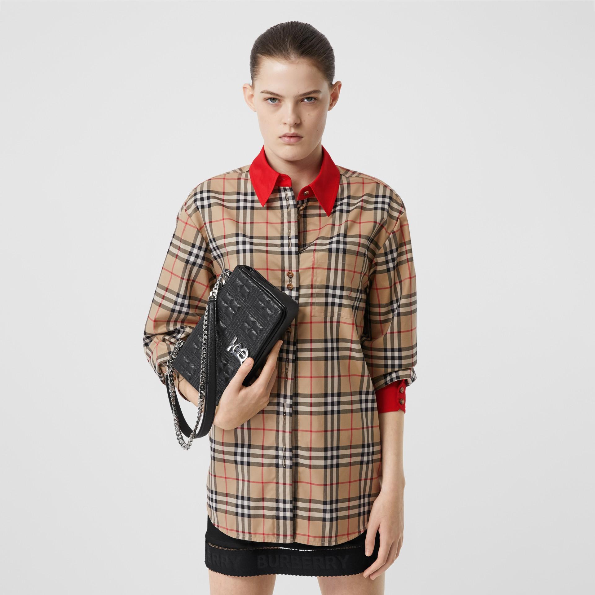 Camisa en algodón elástico a cuadros Vintage Checks con detalles a contraste (Beige) - Mujer | Burberry - imagen de la galería 0