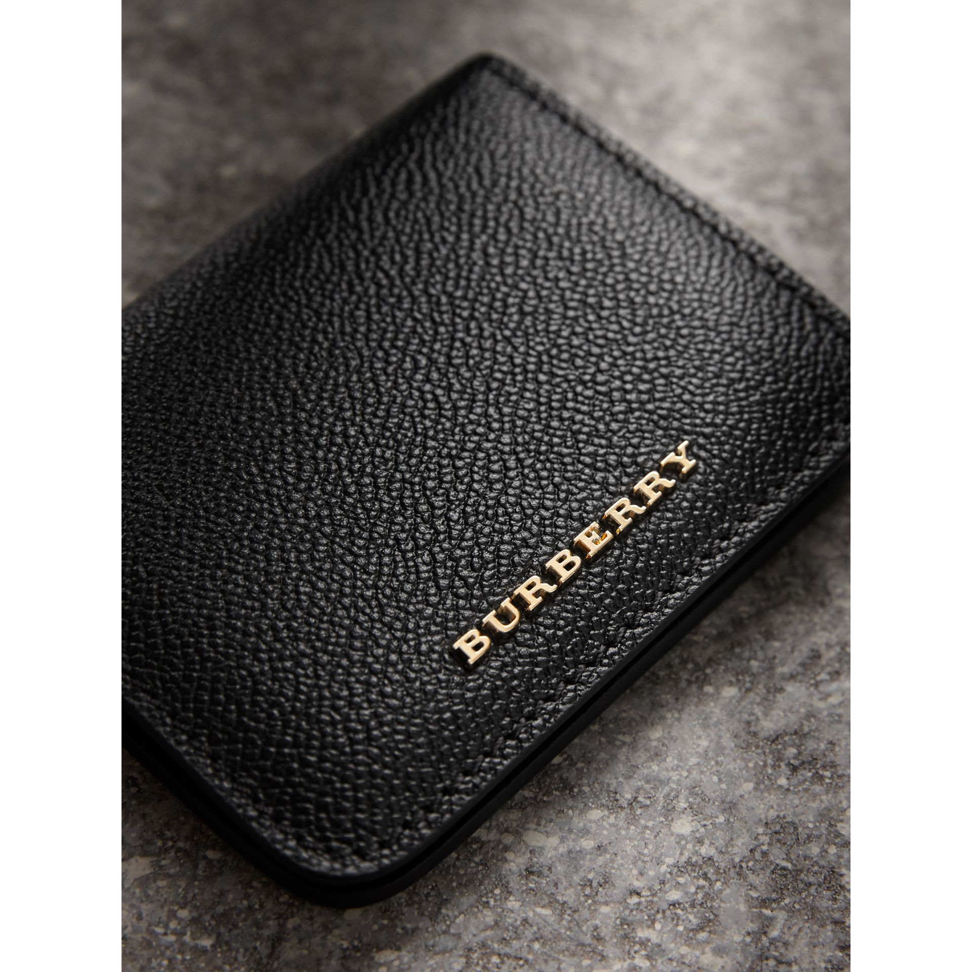 Grainy Leather ID Card Case Charm in Black | Burberry - gallery image 1