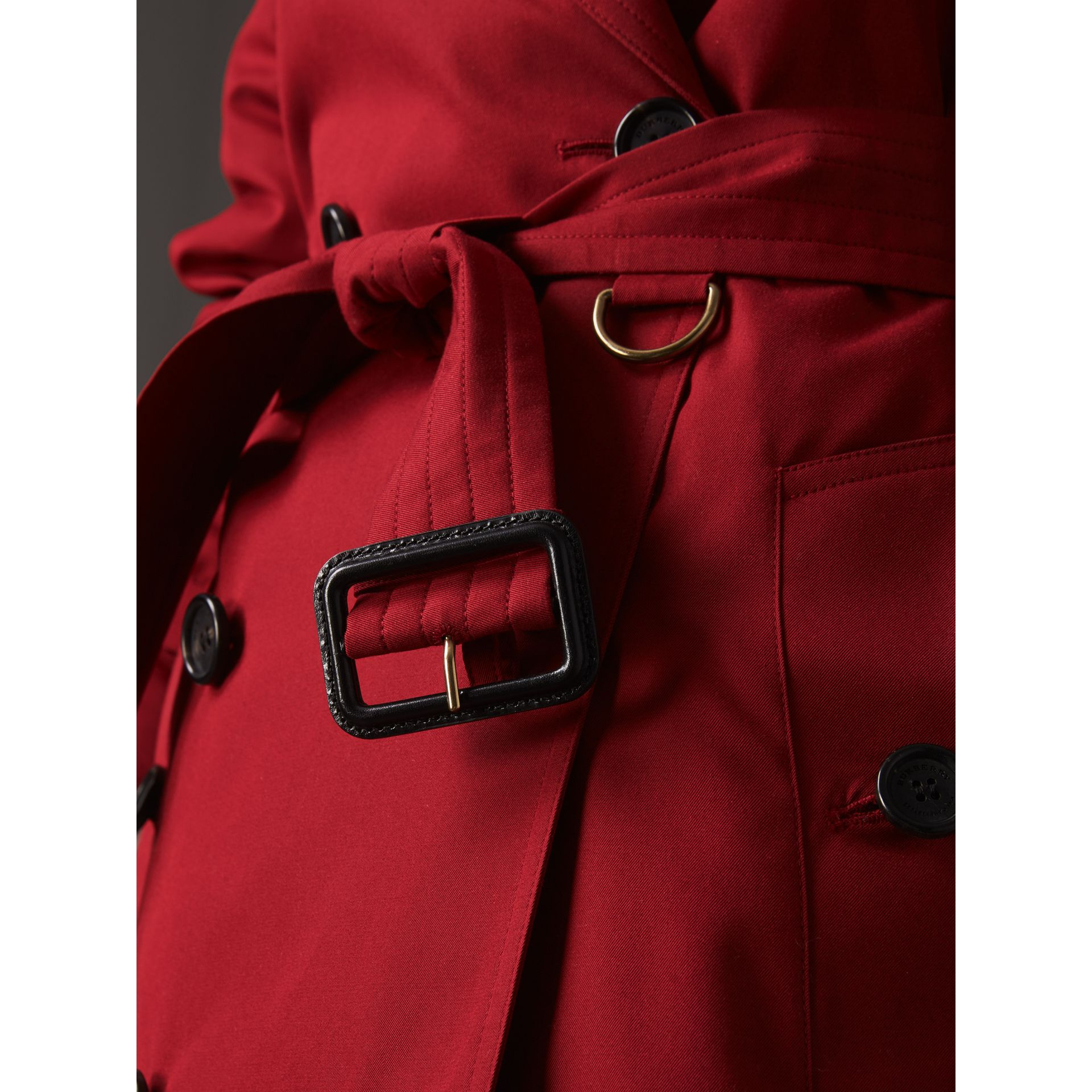 The Kensington – Mid-Length Heritage Trench Coat in Parade Red - Women | Burberry Singapore - gallery image 5