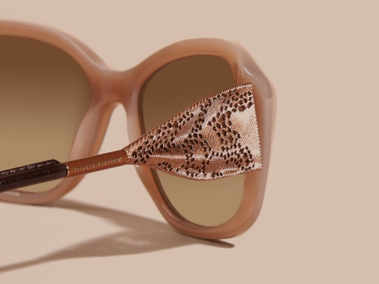 Camaïeu opale Lunettes de soleil à monture carrée – Collection Dentelle de gabardine Camaïeu Opale - cell image 1
